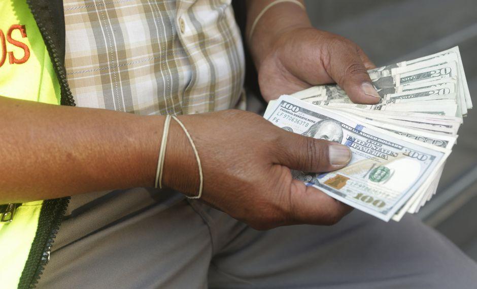 El tipo de cambio cerró a la baja este viernes. (Foto: GEC)