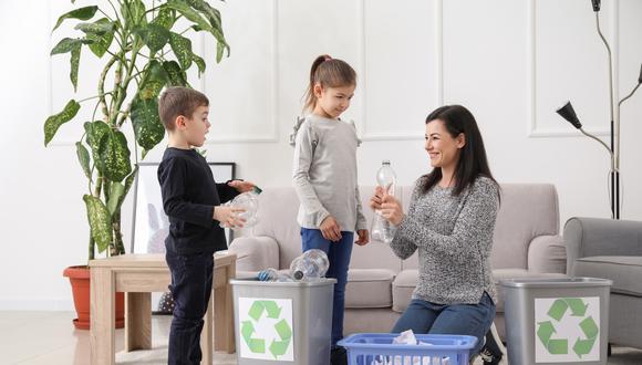 Reciclar en familia puede ser una actividad muy divertida. Entérate como hacerlo en esta nota. (Foto: Shutterstock)