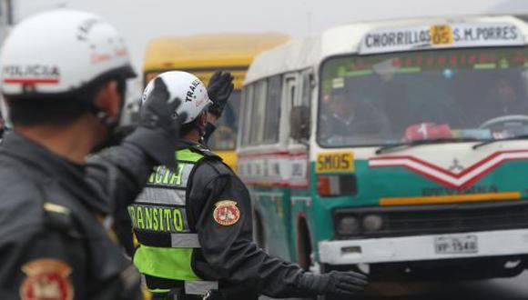 No más policías-semáforo, por Luis Quispe Candia