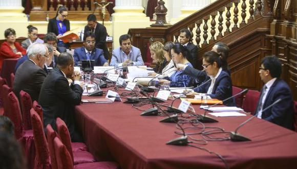 """""""No se puede hablar de blindaje mientras vamos avanzando"""", dijo César Segura (Fuerza Popular), presidente de la subcomisión. (Foto y video: Congreso)"""