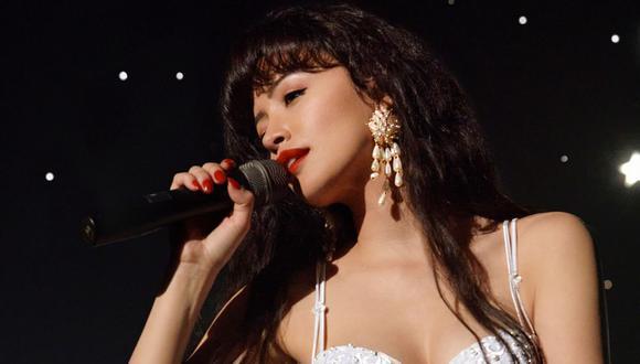 """Christian Serratos interpreta a Selena Quintanilla en """"Selena: la serie"""", nueva ficción de Netflix. (Foto: Cortesía / Netflix)."""