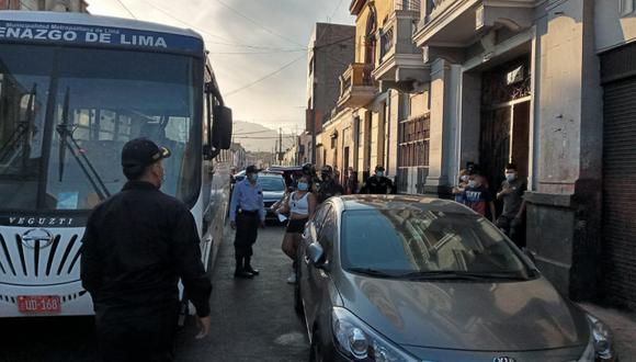 Los detenidos fueron conducidos hasta la comisaría de San Andrés donde se les impuso la multa por no cumplir las medidas de bioseguridad contra el coronavirus | Foto: Municipalidad de Lima