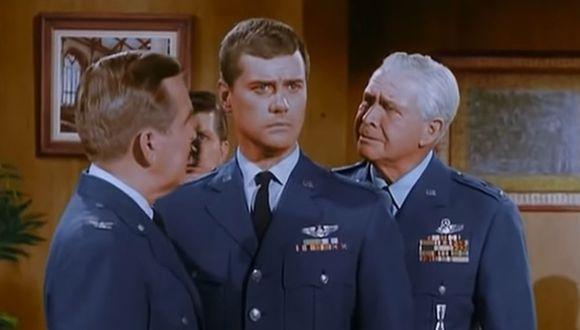 El general Martin Peterson integró la serie casi todas las cinco temporadas en las que se emitió, pero de un momento a otros desapareció (Foto: NBC)