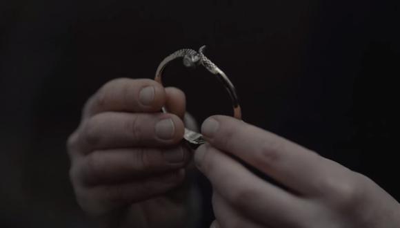 El Origen le regala el brazalete a Tronte Nielsen. ¿Por qué? (Foto: Dark / Netflix)