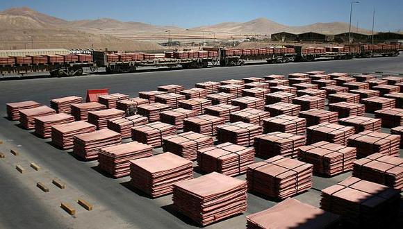 Los inventarios de cobre en depósitos registrados ante la LME suman 122.450 toneladas. (Foto: Reuters)