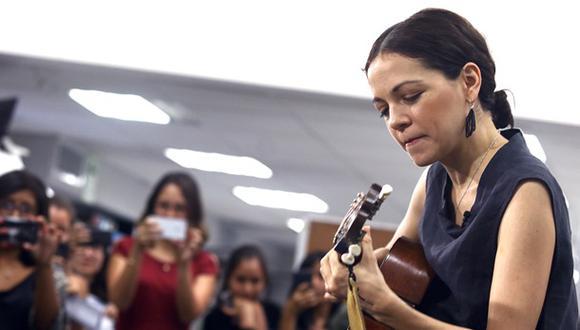 """Natalia Lafourcade en una sesión acústica desde """"El Comercio"""""""