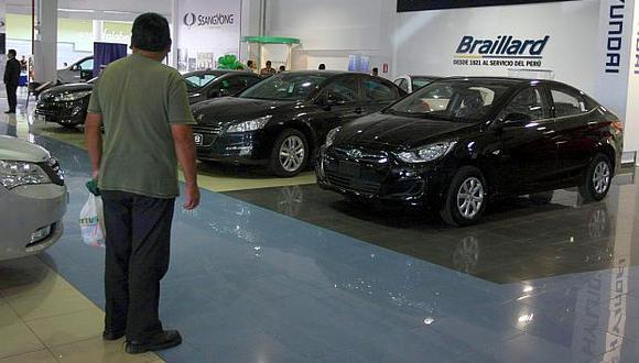 La venta de autos nuevos solo creció 1% en el primer semestre, según cifras de la AAP. (Foto: El Comercio)