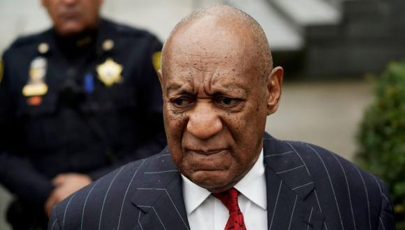 Bill Cosby, actor de 80 años, enfrenta acusaciones por agresión física.