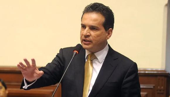 Omar Chehade, como presidente de la Comisión de Constitución, presentó un texto que planteó eliminar el antejuicio de altos funcionarios además de la inmunidad parlamentaria. (Foto: GEC)