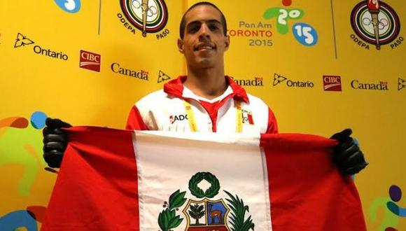 Mauricio Fiol logró medalla de plata en 200 metros mariposa