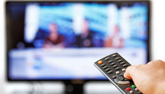 Los noticieros y los programas dominicales no alcanzan para cumplir la función de informar de la televisión. Esta hace poco por debatir problemas públicos complejos. Y sin esa información es mucho más difícil que esos temas ganen relevancia política. (Foto: GEC)