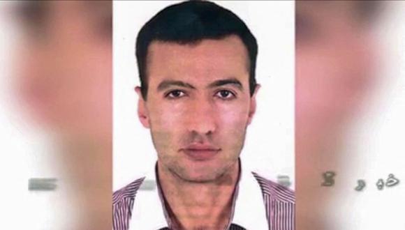 """El retrato de un hombre identificado como Reza Karimi, de 43 años, acusado por Irán de ser el responsable del """"sabotaje"""" a su central nuclear de Natanz. (Foto: AFP)."""