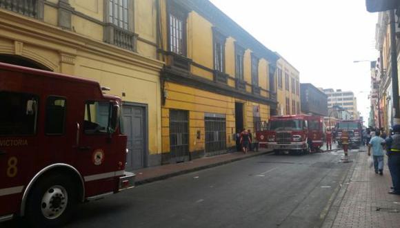 Centro de Lima: incendio consumió antigua casona del jirón Puno