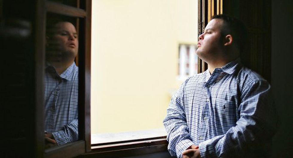 Bryan Rusell es un joven acostumbrado a los retos. Hace 4 años fue reconocido por ser el primer joven con síndrome de Down que se graduó de una universidad peruana. (Foto: Archivo El Comercio)