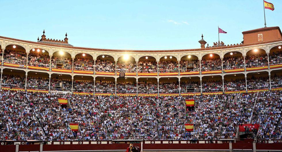 """Para la feria de San Isidro, que se alarga hasta el 16 de junio, casi medio millón de aficionados pasarán por la plaza de Las Ventas, """"la catedral de la tauromaquia mundial"""" según 'Don Simon'. (Foto: AFP)"""