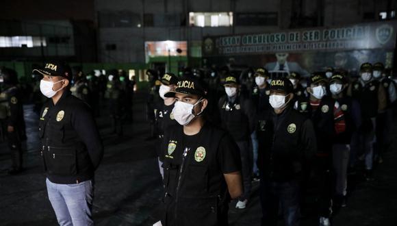 En medio de denuncias por corrupción, a la fecha más de 80 policías han fallecido y 4,000 han sido contagiados por el Covid-19.