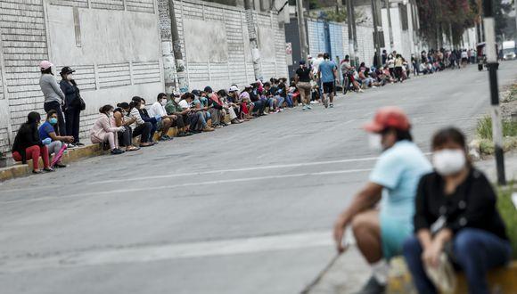 """""""Si a pesar de ese esfuerzo (de la entrega de bonos) hay hogares que se han quedado fuera y que lo necesitan, tenemos que aumentar un poquito más el esfuerzo"""", dijo hoy Vizcarra. (Foto: GEC)"""