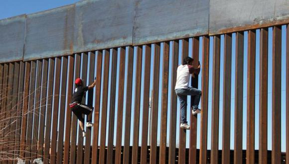 La postura del presidente de Estados Unidos, Donald Trump, sobre cómo México podría pagar por el muro cambió considerablemente en los últimos meses. (Foto: AFP)
