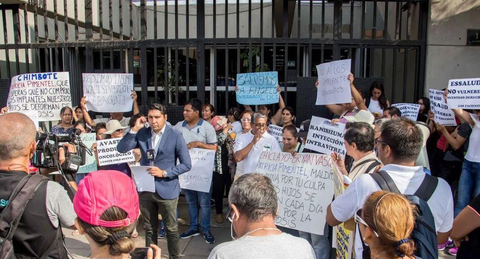 Asimismo, indicaron que de ser necesario, tomarán medidas más fuertes, como encadenarse en Palacio de Gobierno, hasta que su solicitud sea escuchada. (Foto: Difusión)