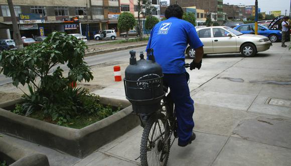 La distribución de combustible está considerada como servicio esencial. (Foto: GEC)