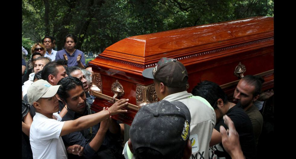México despide a fotoperiodista asesinado y clama justicia - 11