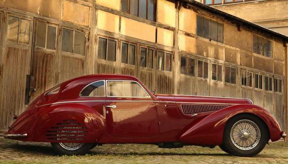 Solo se crearon 5 ejemplares del Alfa Romeo 8C Touring con la carrocería tipo Berlinetta. Hoy uno de ellos busca dueño. (Foto: Retromobile).