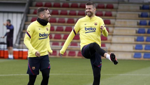 Piqué también entrenó con normalidad tras sufrir molestias en el tobillo ante Napoli. (Foto: Barcelona)