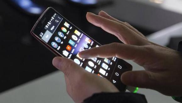 Un voto electrónico no presencial podría emitirse desde una computadora o desde un celular con acceso a Internet. (Foto: Reuters)