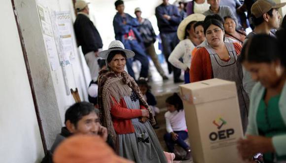 """La oposición boliviana ha denunciado """"fraude electoral"""" en los comicios del 20 de octubre que darían un nuevo mandato para Evo Morales. Las denuncias opositoras estarían dirigidas principalmente a una manipulación de los resultados durante el proceso de transmisión de resultados. (Reuters)"""