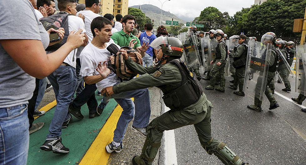 Venezuela: Estudiantes y periodistas se enfrentan a la policía - 9