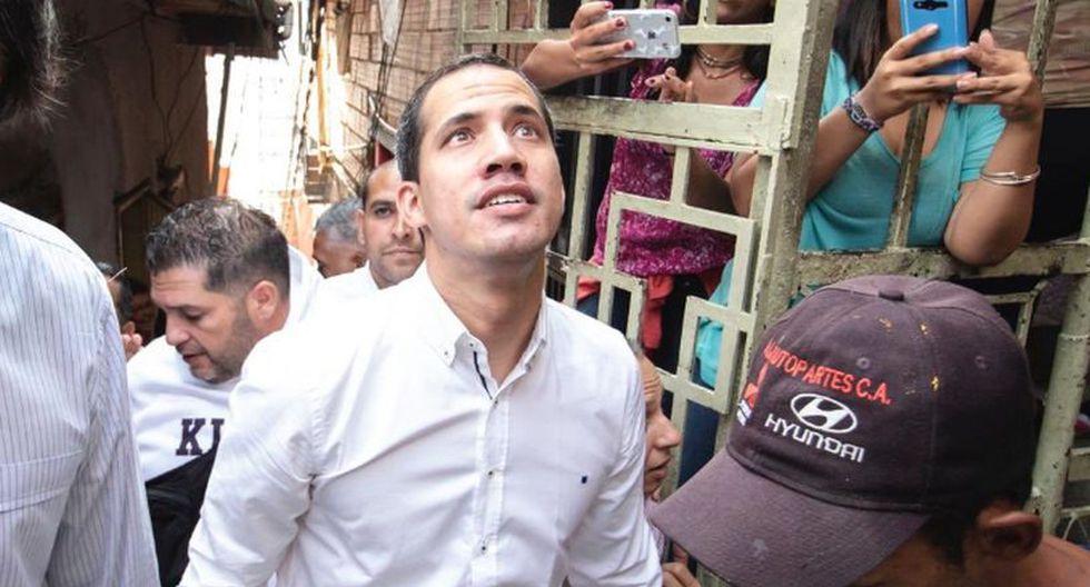 Un miembro del equipo de Guaidó dijo posteriormente a periodistas que la visita del opositor fue parte de una actividad sorpresa sin previo aviso a la prensa. (Foto: Twitter - @osmarycnn)