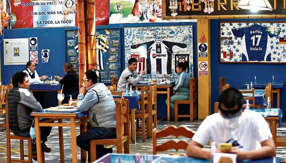 El aforo permitido en los restaurantes se elevará de 40% a 50%. (Foto: Hugo Curotto | GEC)