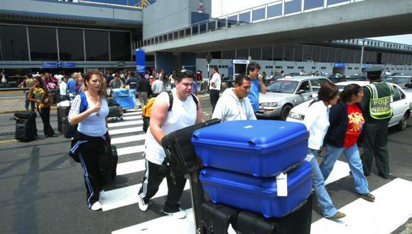 Colombianos y chilenos son los que más llegan a trabajar a Perú
