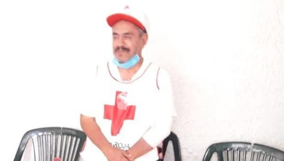 """Sus atacantes obligaron a Mario Alberto Montiel Flores, de 63 años, a arrodillarse, mientras que uno de ellos tomó un frasco con cloro y se lo tiró en todo el cuerpo. Después, lo insultaron y le dijeron que esto le pasaba por seguir """"esparciendo el coronavirus""""."""