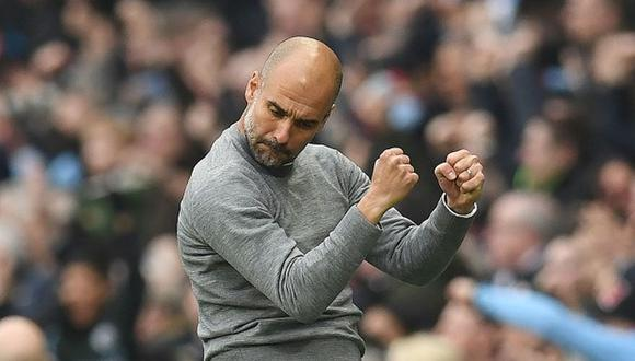 Pep Guardiola se quedaría aún mucho tiempo al mando del Manchester City, pues el conjunto inglés lo aseguraría por un total de cinco temporadas (Foto: AFP)