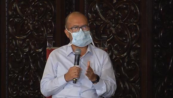 El ministro Víctor Zamora explicó que han creado un grupo especial de trabajo para atender los casos de los fallecidos por coronavirus. (Foto: Presidencia)