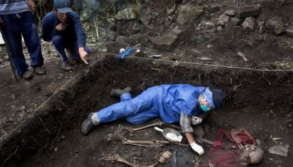 Fosas en Chungui: serían 60 personas asesinadas por policías