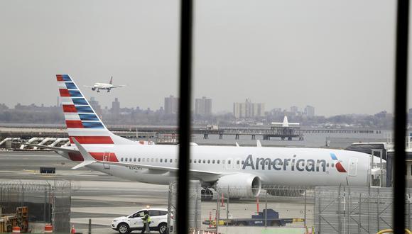 Boeing y la Administración Federal de Aviación de EE.UU. señalaron que la compañía requiere de más tiempo para concluir con los cambios en un sistema del que se sospecha fue un factor en ambos accidentes. (Archivo AP)