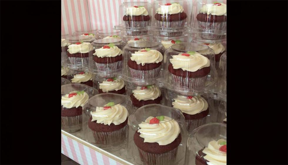 Claudia Cupcakes. Esta empresa dedicada a los cupcakes cuenta con locales en Jockey Plaza, Larcomar y Real Plaza Salaverry. Se caracterizan por sus ingredientes frescos y variedad de  diseños. Su carta consta de distintos sabores, entre los que destacan los cupcakes de chocolate, vainilla,  pie de limón y fresa con leche condensada. (Foto: Facebook Claudia Cupcakes)
