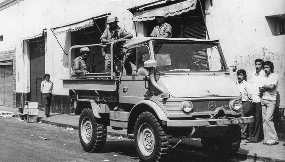 LIMA, 11 DE FEBRERO DE 1975HUELGA POLICIAL. INICIO DE DISTURBIOS.FOTO: HUMBERTO ARTADI / EL COMERCIO