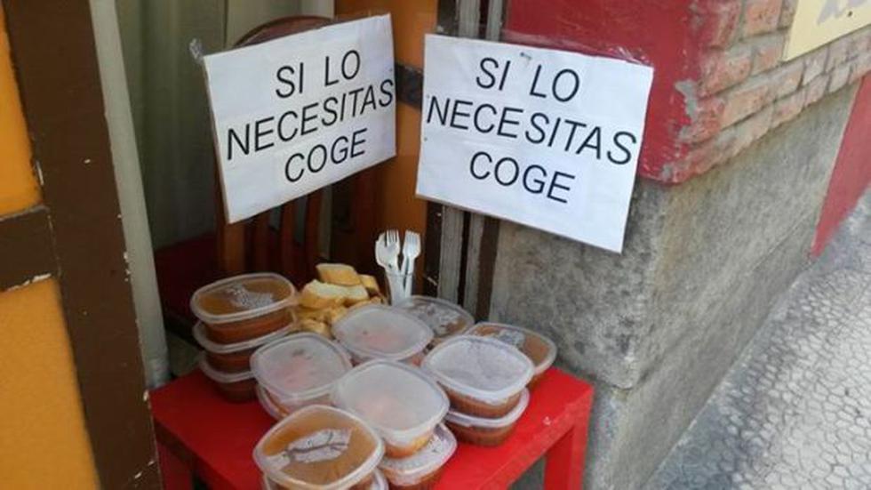 """Restaurante regala comida bajo el lema """"Si lo necesitas, coge"""" - 1"""