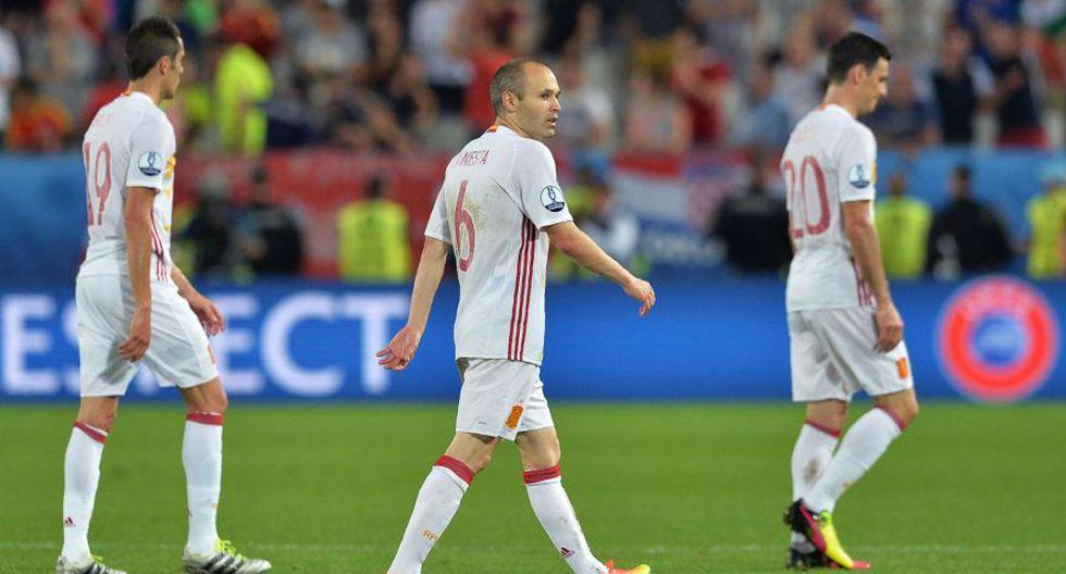 España: rostros de tristeza y frustración por caída en Eurocopa - 7