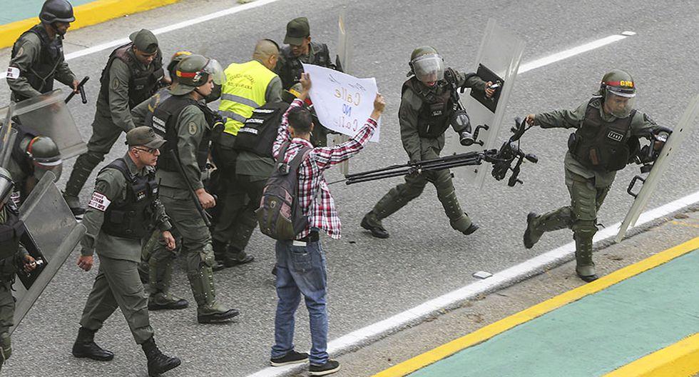 Venezuela: Estudiantes y periodistas se enfrentan a la policía - 2