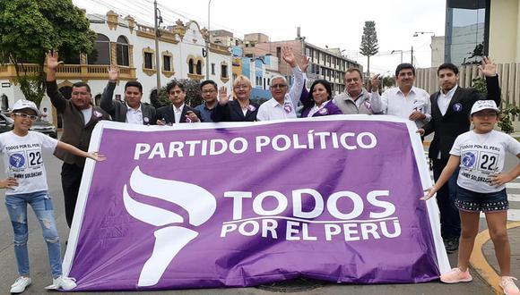 Todos por el Perú presentó este domingo su lista de candidatos al Congreso. (Foto: Facebook Todos por el Perú)