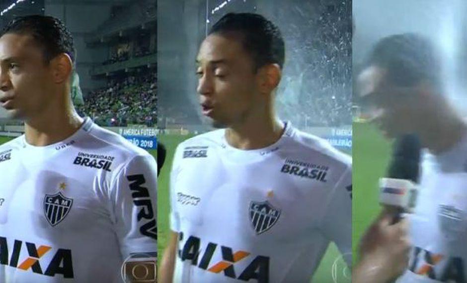 Ricardo Oliveira y un curioso momento durante entrevista en vivo. (Foto: O Globo)