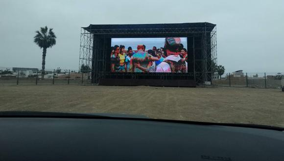 Autocinema Perú: el nuevo autocine en Lima en el que podrás ir en carro o en mototaxi. Queda exactamente en Villa El Salvador: Av. Defensores del Morro S/N Urb. Hipocampo, pasando Los Pantanos de Villa.