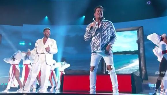 Carlos Vives y Ricky Martin en los Latin American Music Awards. (Foto: Captura Telemundo)