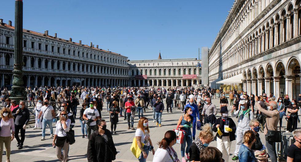 El público se congrega en la Plaza de San Marcos, en Venecia. (REUTERS / Manuel Silvestri).
