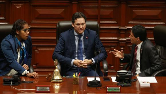 Daniel Salaverry informó que se amplió la legislatura para iniciar el debate de la Junta Nacional de Justicia. (Foto: Andina)