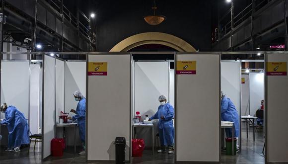 Argentina supera las 4 millones de vacunas aplicadas contra el coronavirus.  (Foto: Ronaldo SCHEMIDT / AFP).